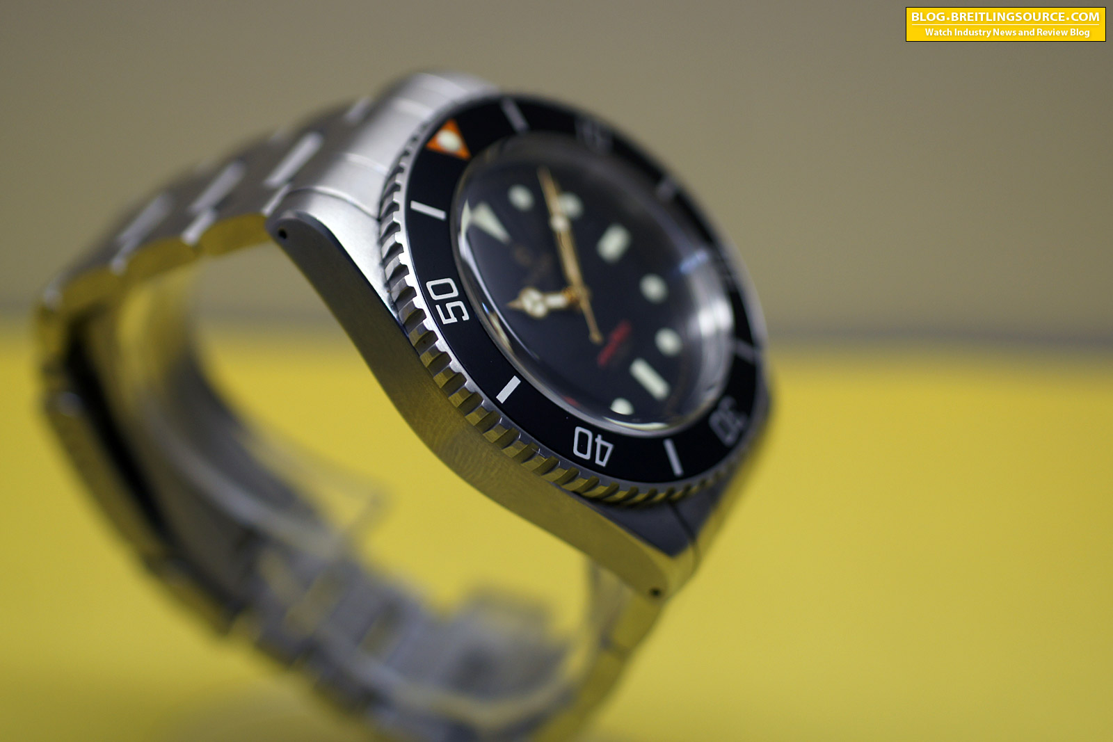 The breitling watch blog raven vintage 40mm no date review - 40mm dive watch ...